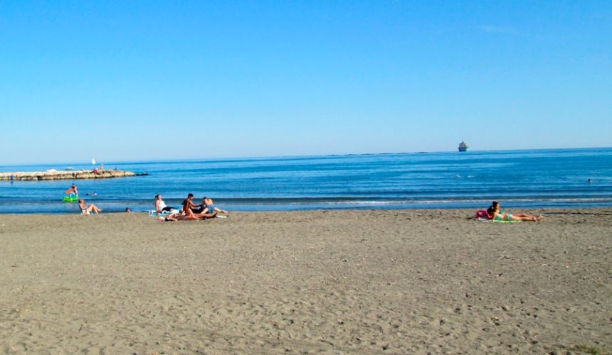 visitar playa el palo malaga